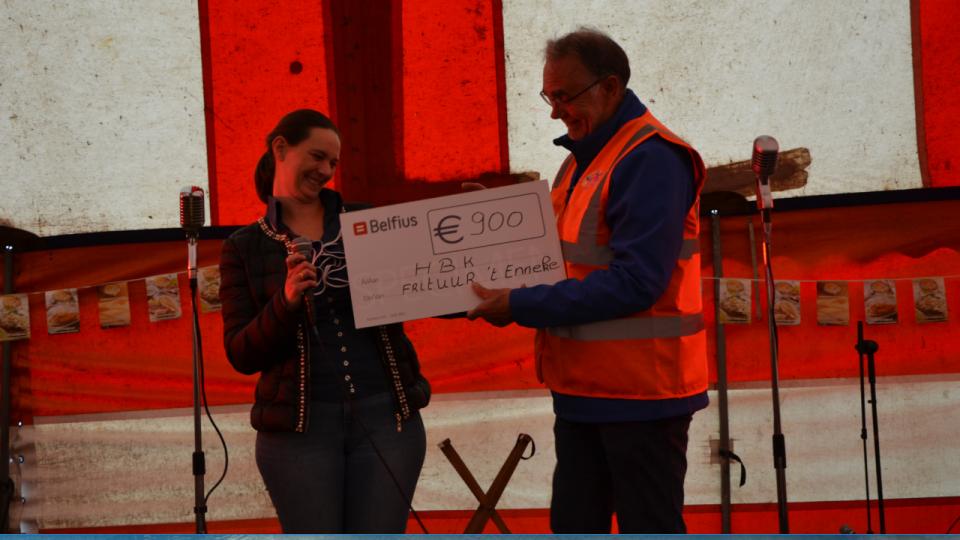 Frituur 't Enneke zet benefiet op tijdens ontmoetingsdag Help Brandwonden Kids