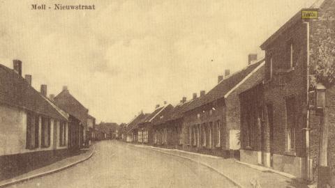 Moll - Nieuwstraat
